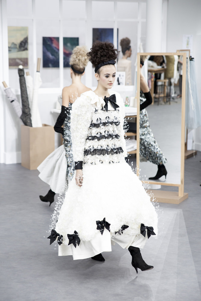 Chanel haute couture fall-winter 2016-2017 runway show