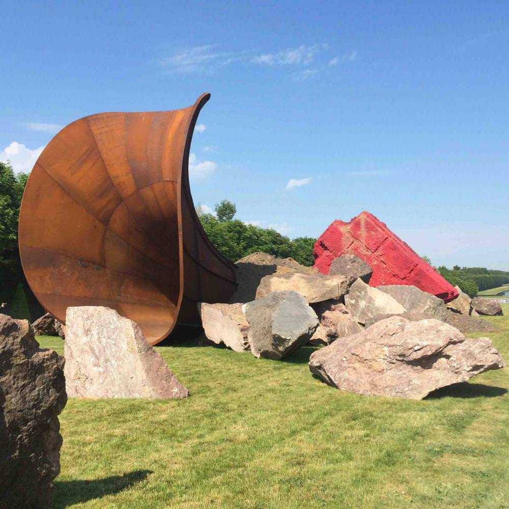 British artist Anish Kapoor makes a sensation in Versailles