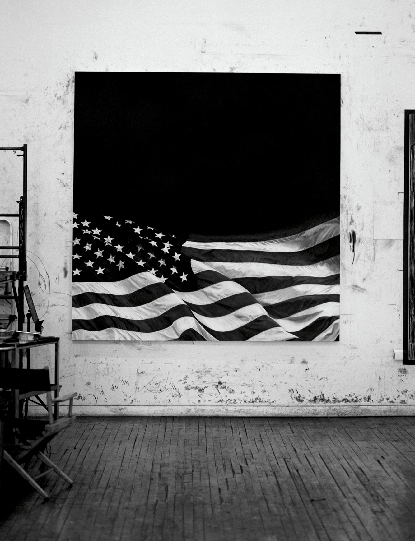View of the studio. America is another theme dear to Robert Longo.  He dedicated the canvas below to the historian Howard Zinn, a specialist in American history.
