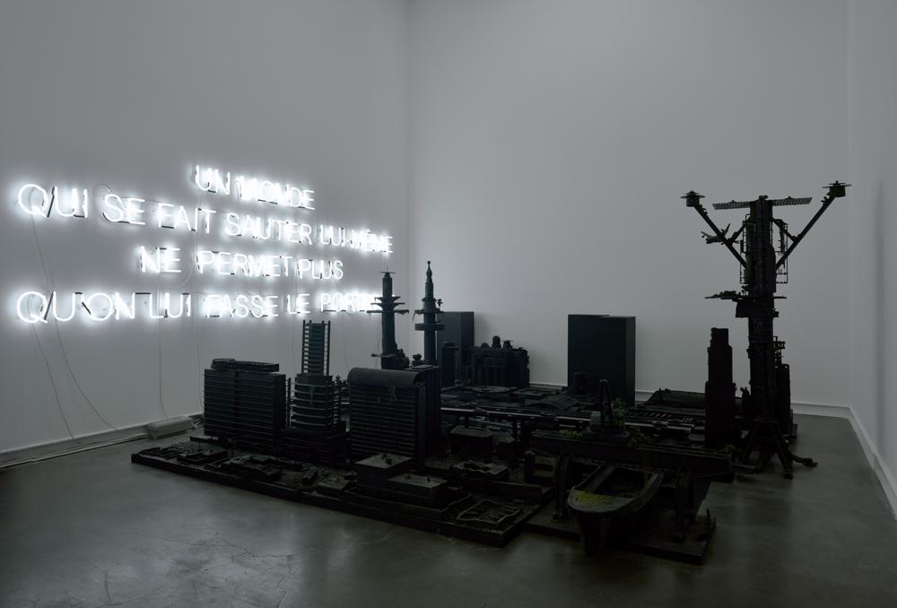 Vue de l'exposition Mesopotamia (2015) d'Anne et Patrick Poirier, à la Galerie Mitterrand, Paris.