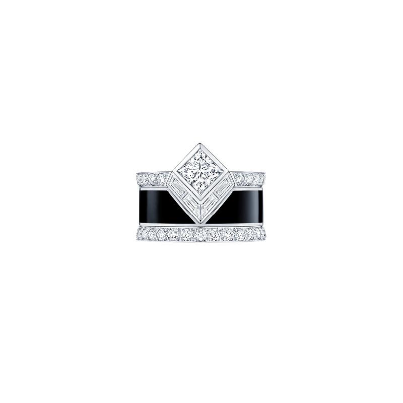 Louis Vuitton, Bulgari et Vhernier : la joaillerie noire et pavée de diamants