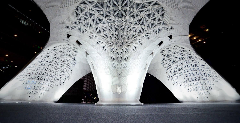 Le pavillon Vulcana relevé de nombreux défis technologiques. Il a été composé, à partir d'un programme informatique sophistiqué, sur le modèle d'un gigantesque cocon.