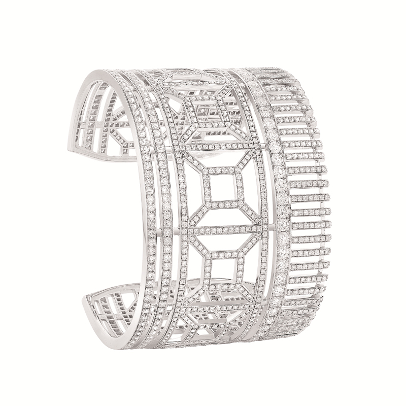 "Manchette ""Quatre Radiant Edition"" en or blanc pavé de diamants, BOUCHERON."