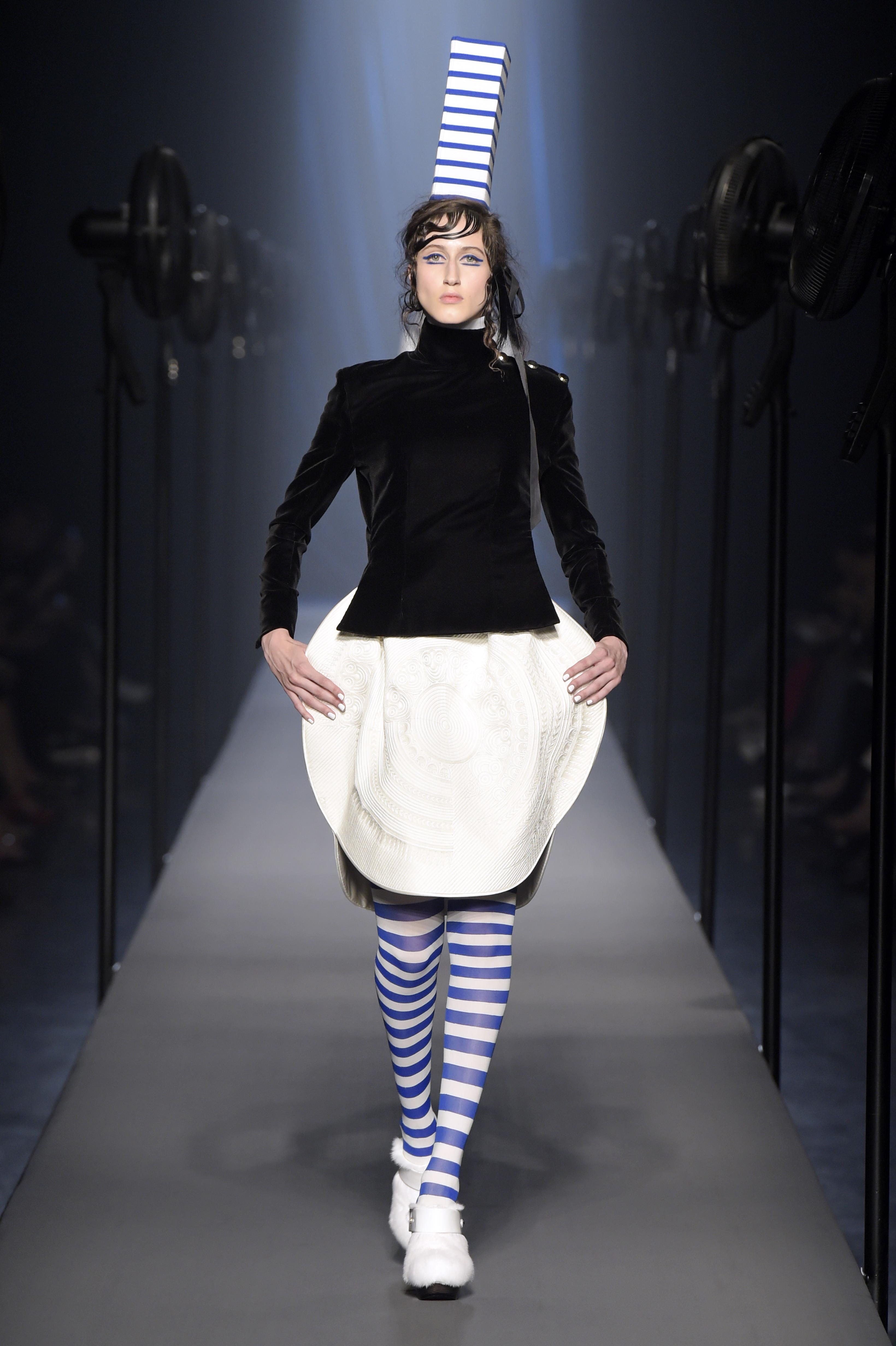 07c3982c36f9a Le défilé haute couture automne-hiver 2015 2016 de Jean Paul Gaultier