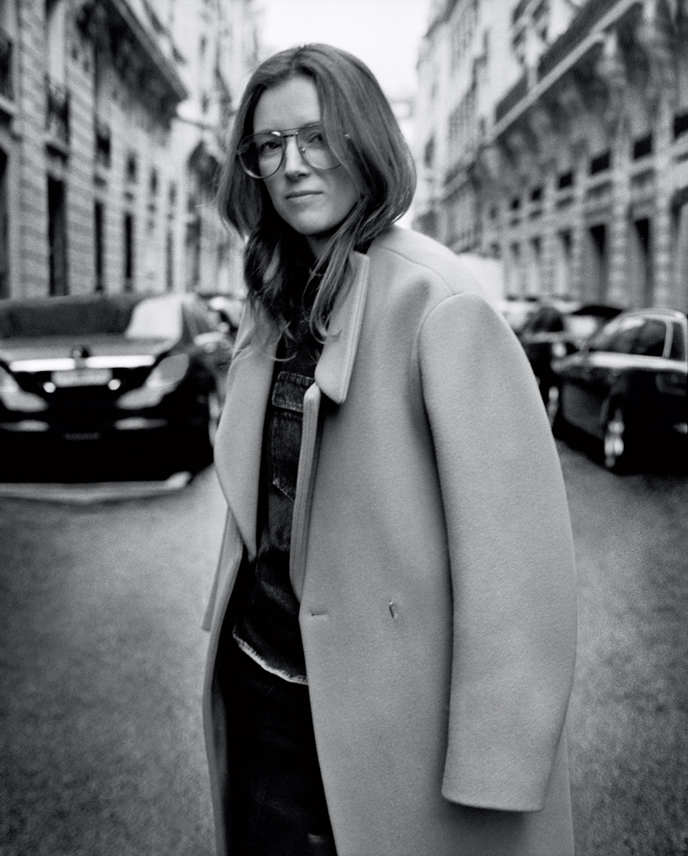 Clare Waight Keller, creative director of Chloé, photographedpar Theo Wenner.