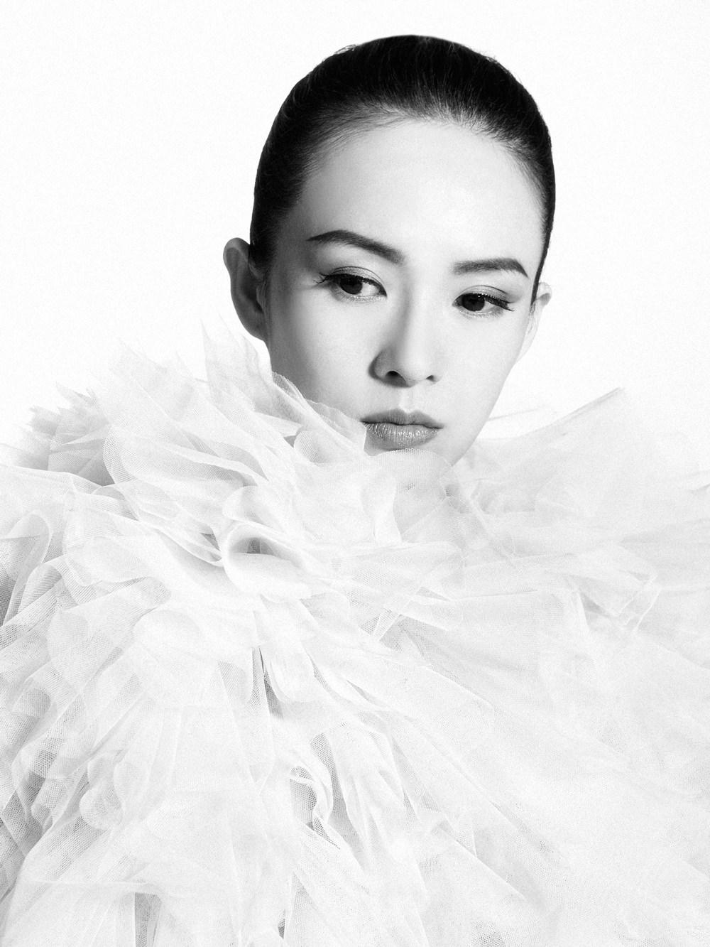 Dazzling Actress Zhang Ziyi starring in John Woo's much-awaited drama The Crossing