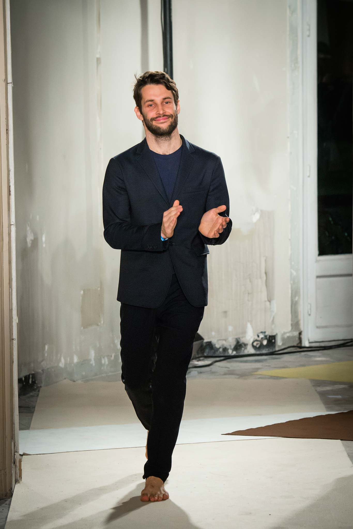 best of 2015 simon porte jacquemus wins the lvmh special jury prize num ro magazine. Black Bedroom Furniture Sets. Home Design Ideas