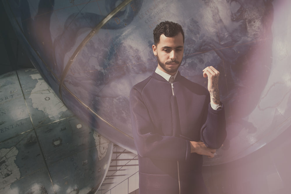 Le phénomène pop Sliimy devient Yanis, artiste électro chic