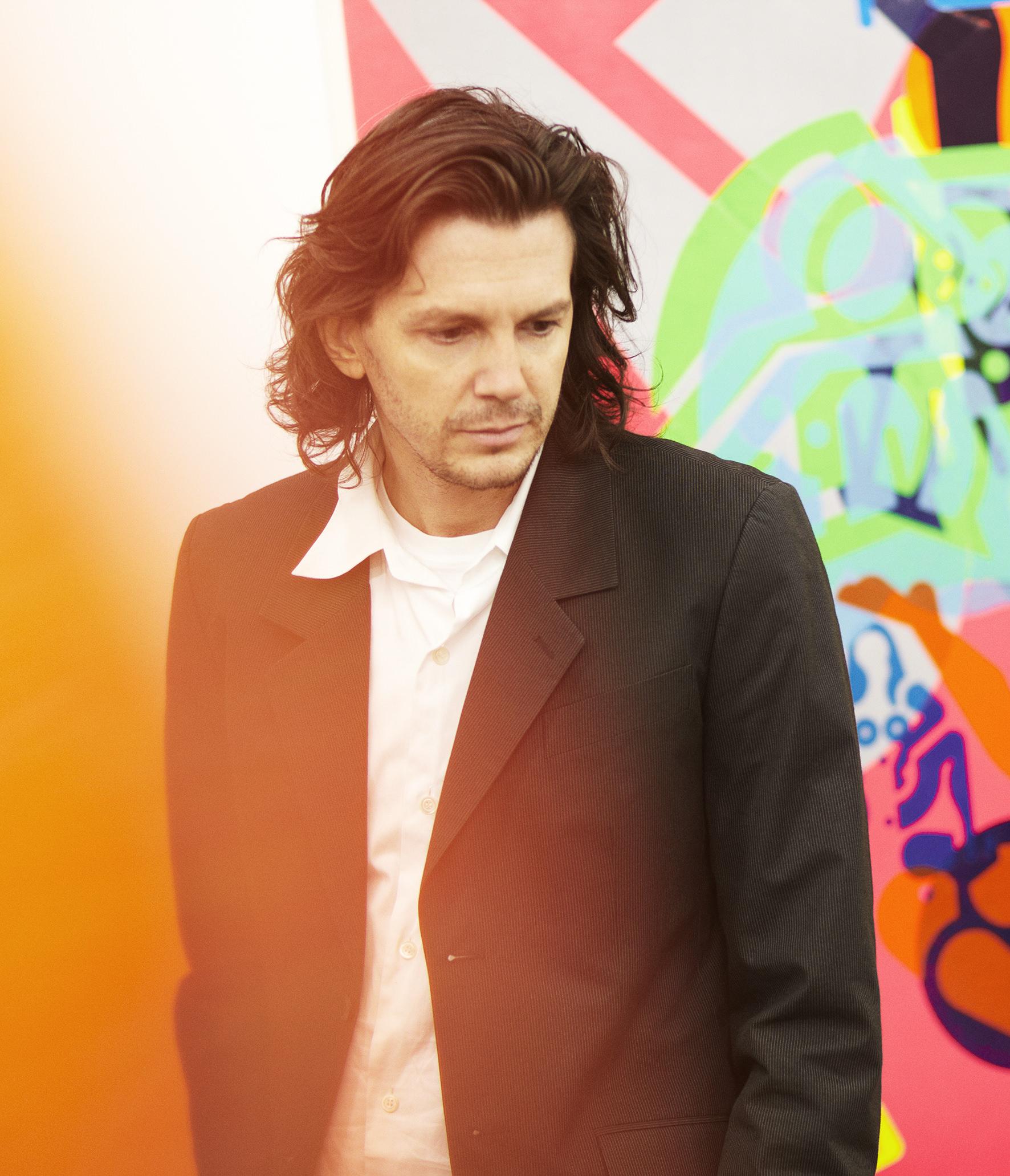Ryan McGinness habille la boutique Longchamp de la rue Saint-Honoré