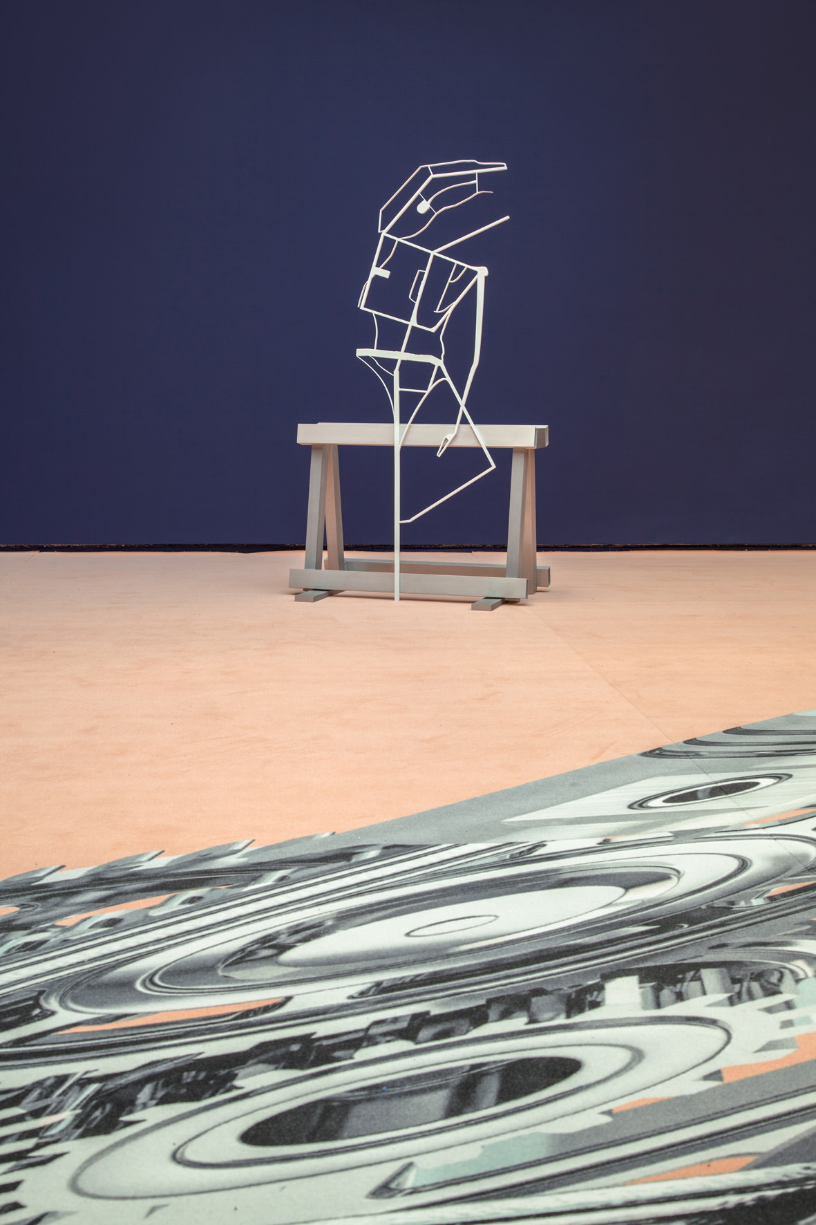 """Visite de l'exposition """"The Smile of a Snake"""" de George Henry Longly à la galerie Valentin"""