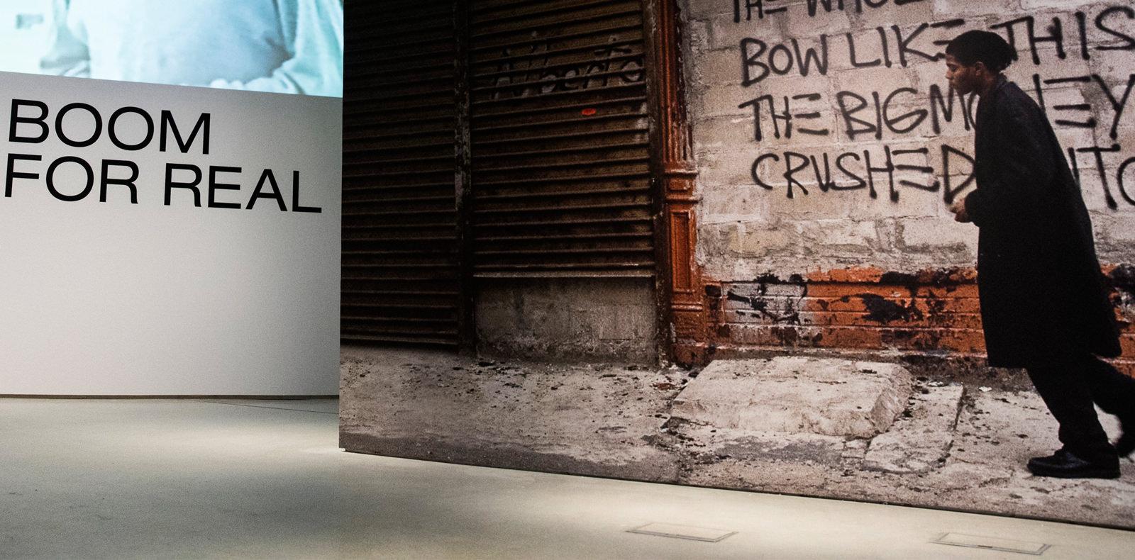Qui était vraiment Jean-Michel Basquiat ? Réponse avec l'exposition inédite de la Barbican