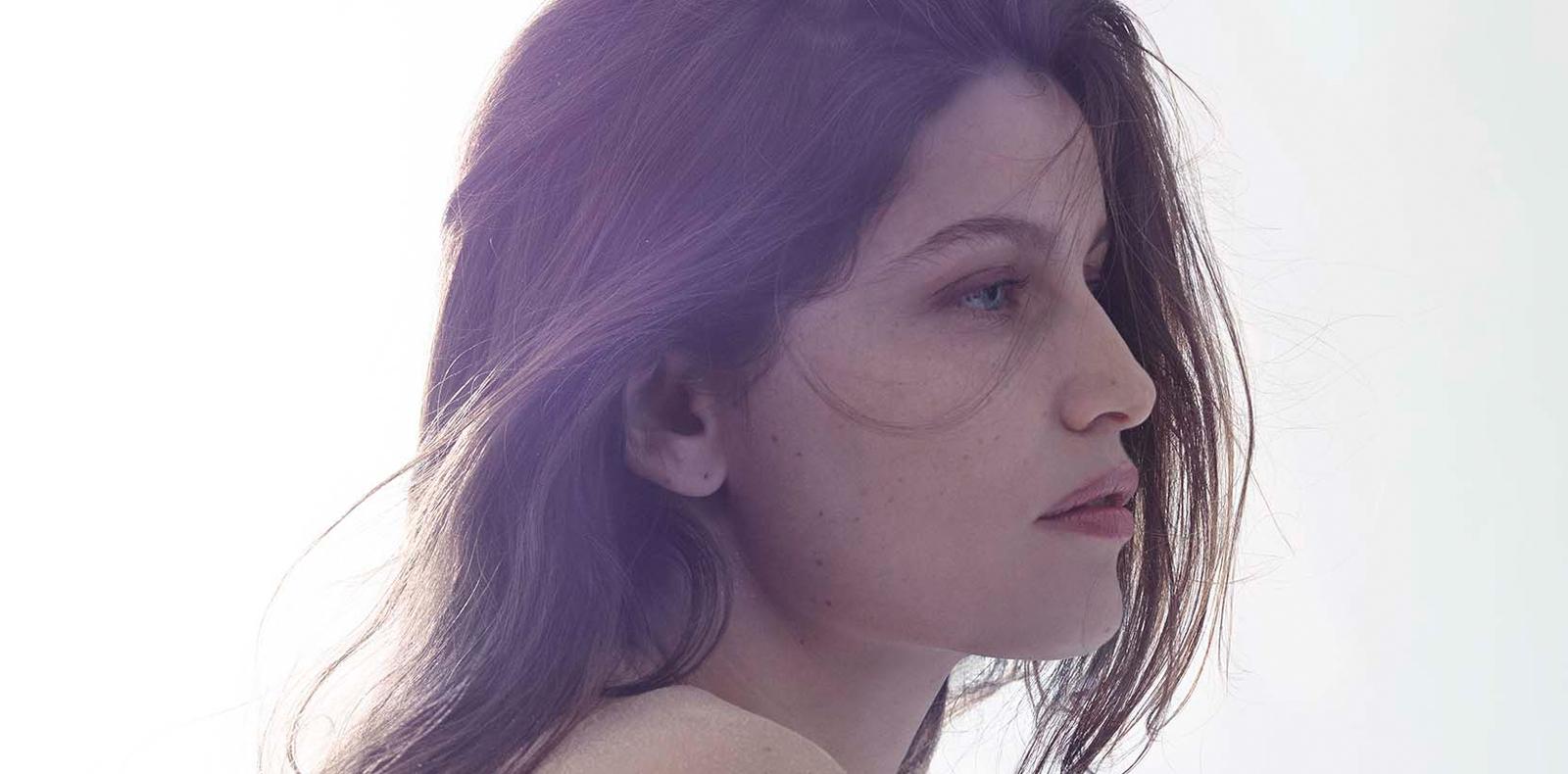 Offrez-vous le portrait de Laetitia Casta par Mondino
