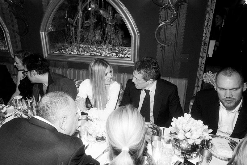 Laura Bailey et Hugh Grant