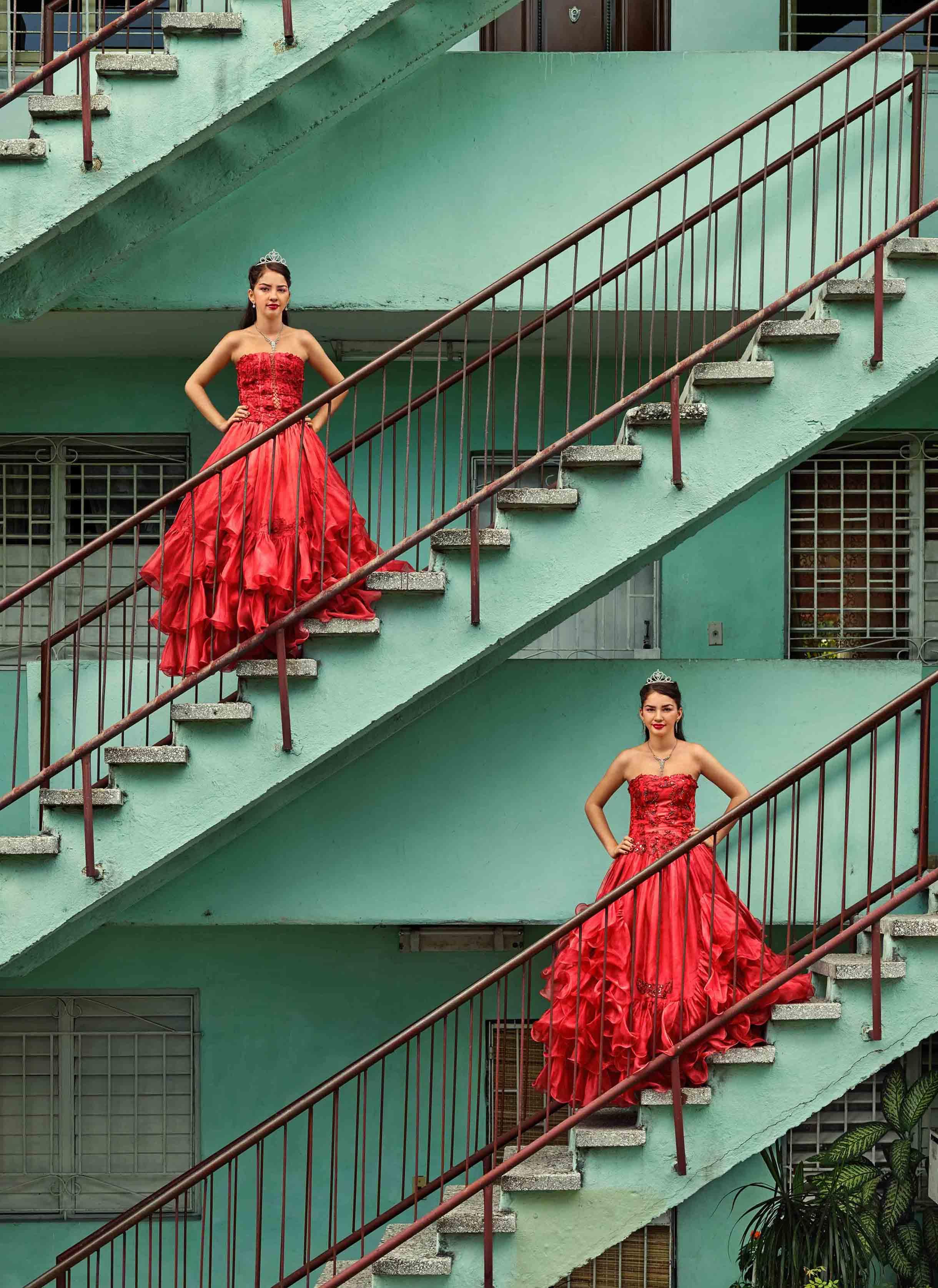 Frank Thiel, Kiara Isabel and Karla Amelia Soliño González, La Habana, Plaza de la Revolución, Nuevo Vedado,2016,  Courtesy the artist and BlainSouthern