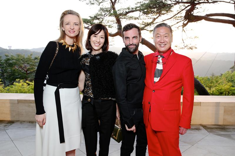 Delphine Arnault, Mirai Yamamoto, Nicolas Ghesquière et Kansai Yamamoto
