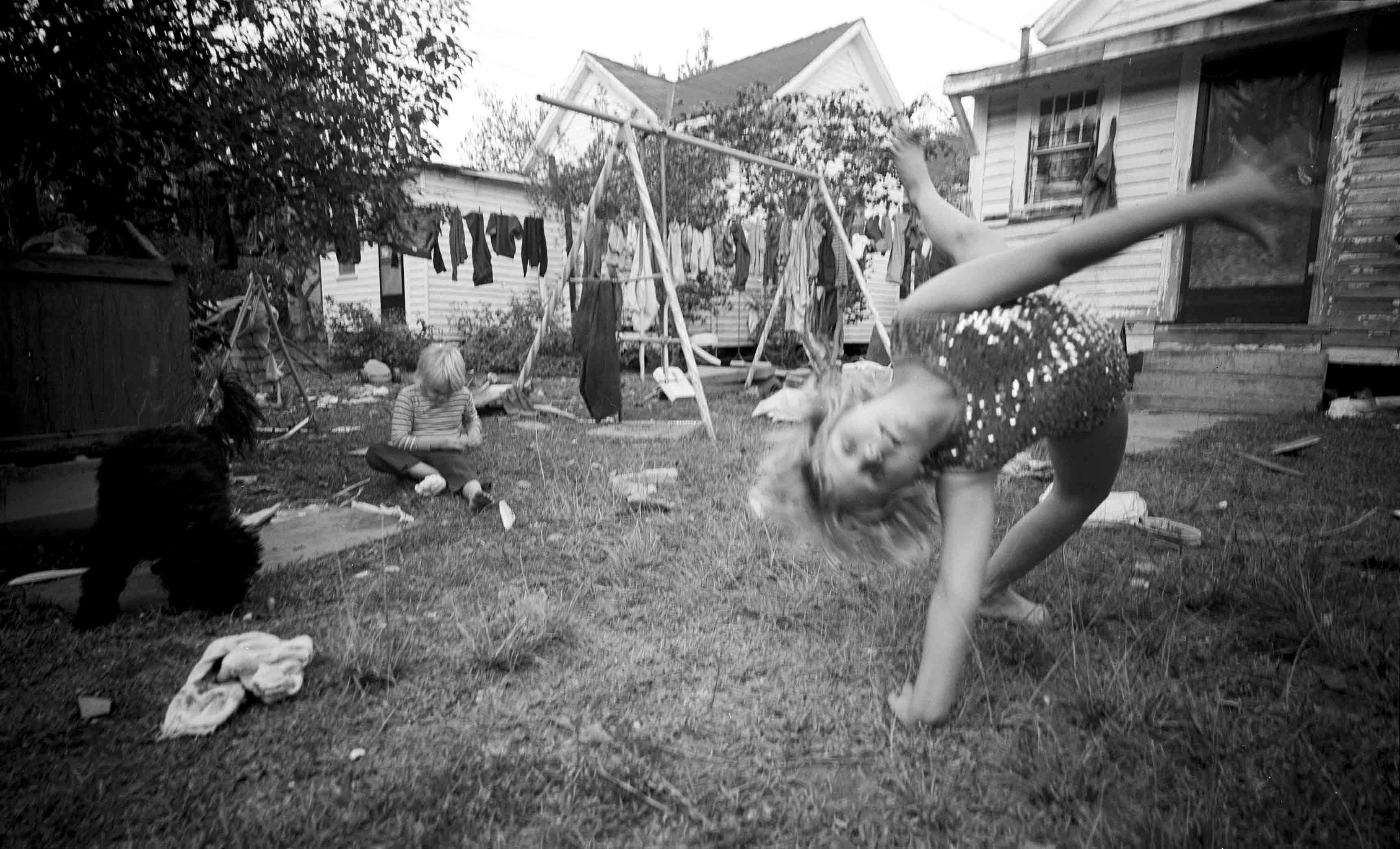 Susan Meiselas Caroline du Sud, Série Porch Portraits, 1974 © Susan Meiselas/Magnum Photos