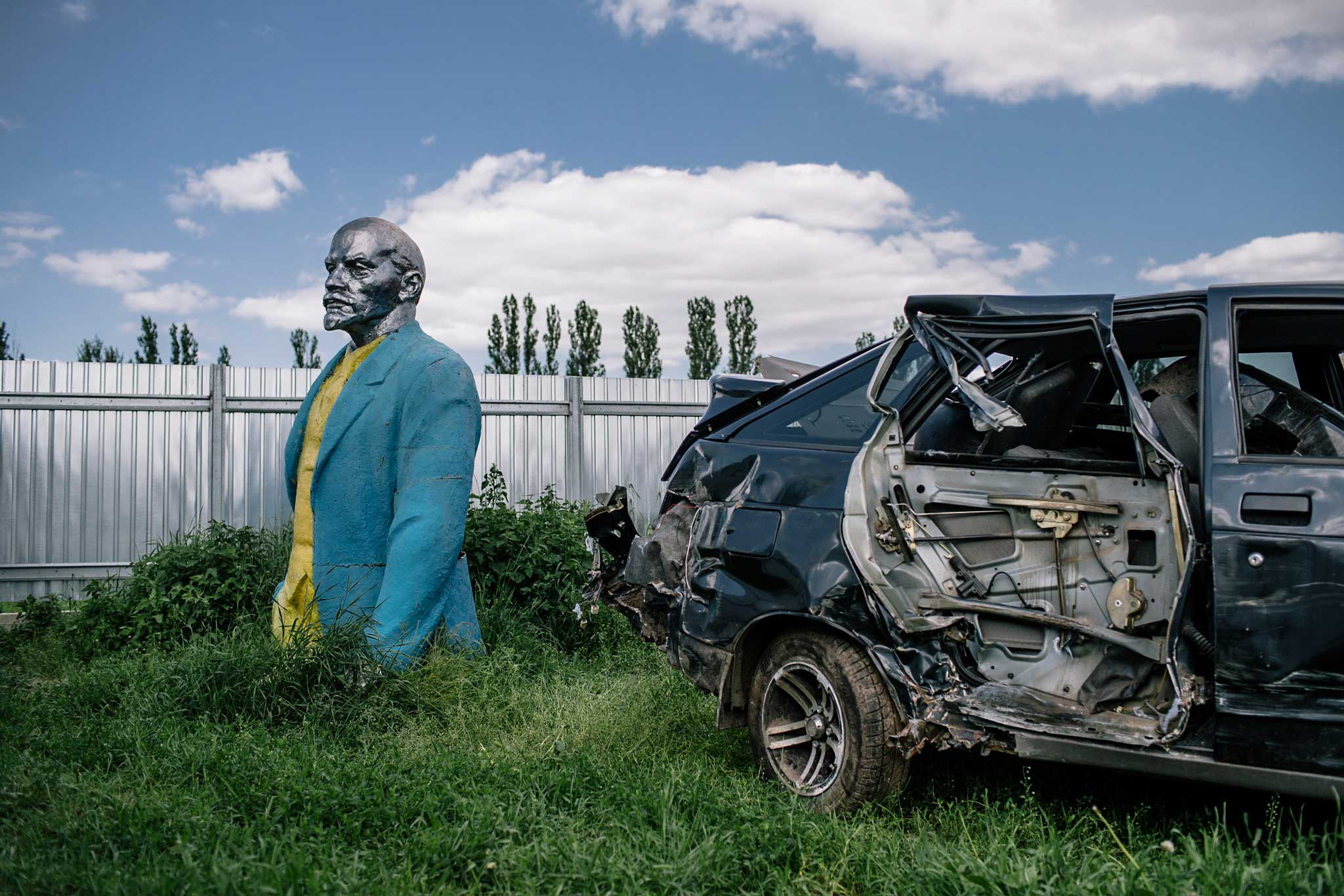 """Niels Ackermann et Sebastien Gobert nous proposent cet été de partir à la recherche de Lénine, et de ses traces dans l'Ukraine post-soviétique. """"Korzhin"""", 3 juin 2016. Avec l'aimable autorisation de Niels Ackermann/Lundi13."""