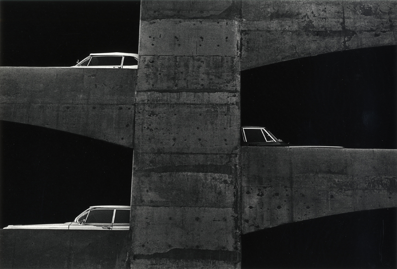 Ray K. Metzker, Washington, DC, 1964 Tirage gélatino-argentique, 20 × 25,5 cm Courtesy Les Douches la Galerie, Paris / Laurence Miller Gallery, New York © Estate Ray K. Metzker, courtesy Les Douches la Galerie, Paris / Laurence Miller Gallery, New York