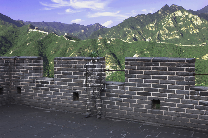 Great Wall, série Hiding in the city, 2010. © Liu Bolin, courtesy of the artist / Galerie Paris-Beijing