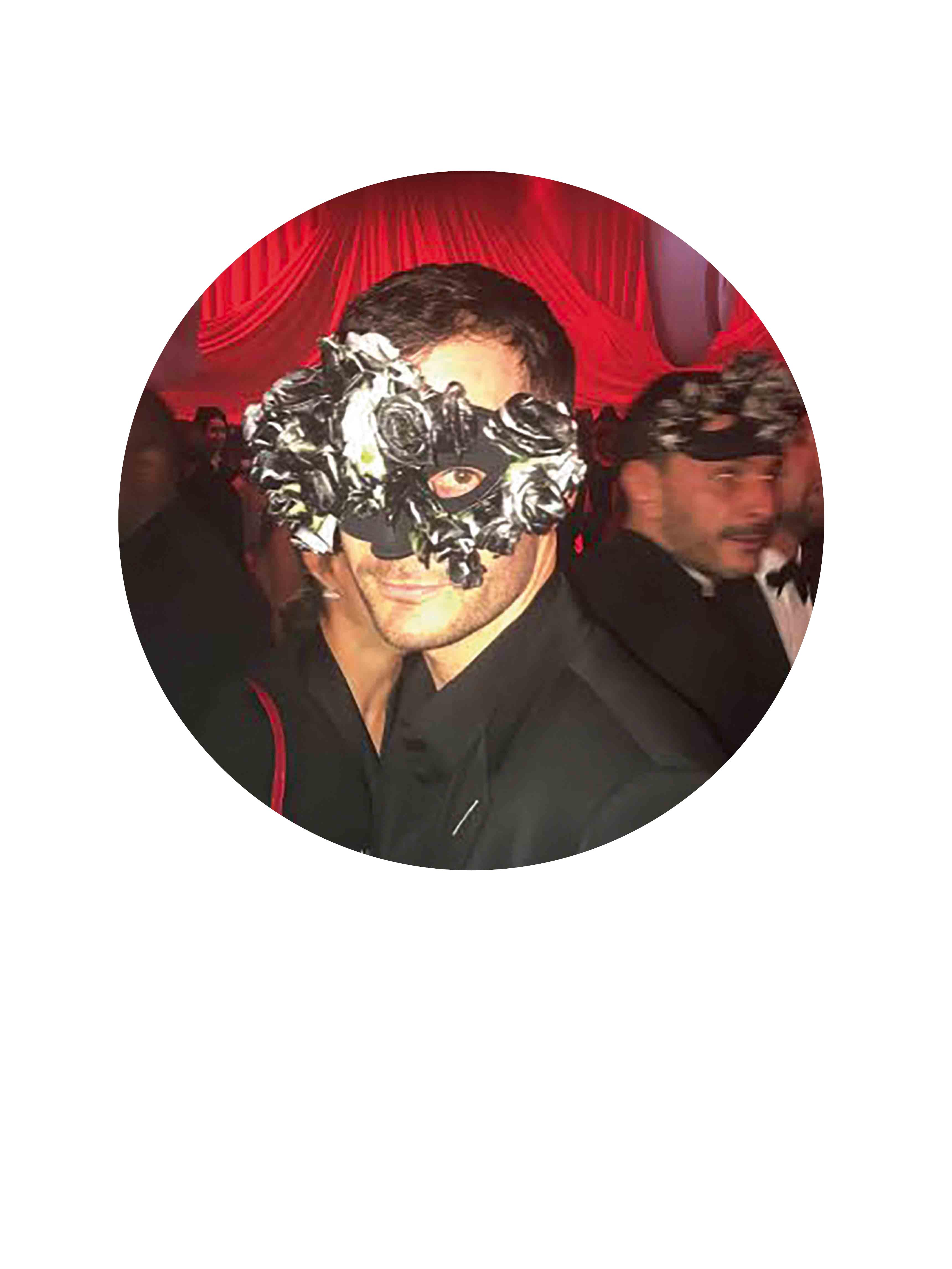 """Kris Van Assche (créateur) : """"Porter un masque à fleurs."""""""
