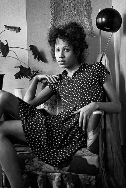 Nan Goldin, Roommate in her chair, Boston, 1972