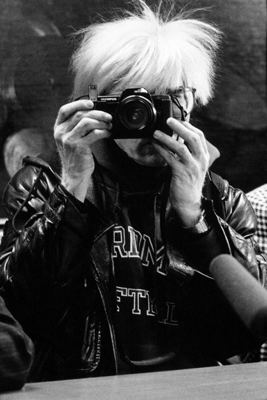Andy Warhol (Milan, 1987). © Maria Mulas. Courtesy Gagosian.