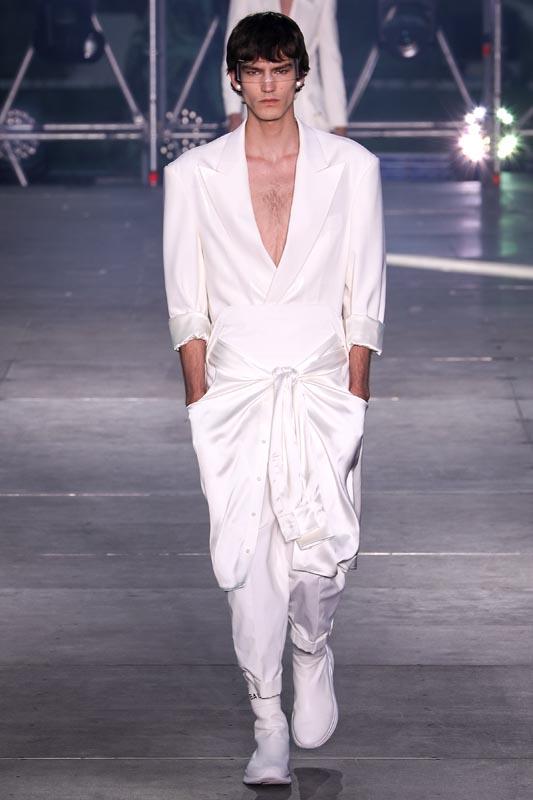 Mens Fashion 2020 Summer.Discover Balmain S Menswear Spring Summer 2020 Fashion Show