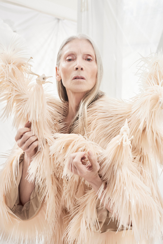 "Collection haute couture automne-hiver 2018 Iris Van Herpen, photo Petrovsky & Ramone Exposition ""Femmes Fatales"""