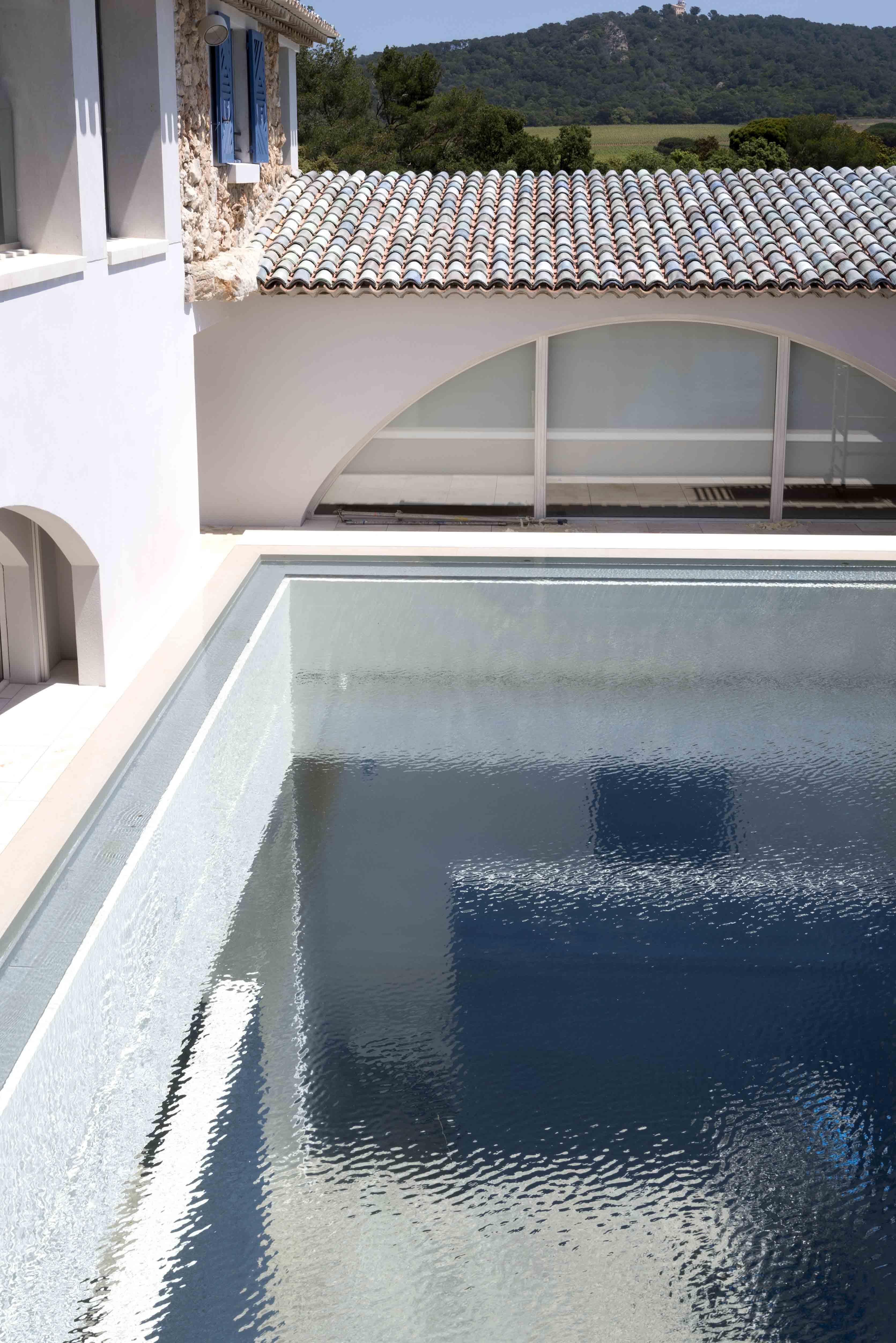 Vue du bassin extérieur