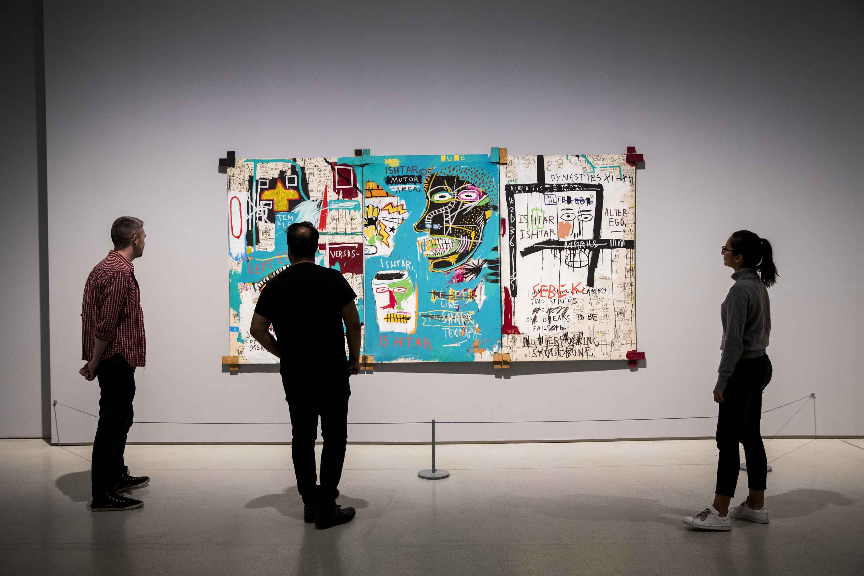 Basquiat: Boom For Real Installation view Barbican Art Gallery 21 September 2017 – 28 January 2018 © Tristan Fewings / Getty Images Artwork: Jean-Michel Basquiat Ishtar, 1983 Collection Ludwig, Ludwig Forum für Internationale Kunst, Aachen. © The Estate of Jean-Michel Basquiat. Licensed by Artestar, New York. Photo: Carl Brunn