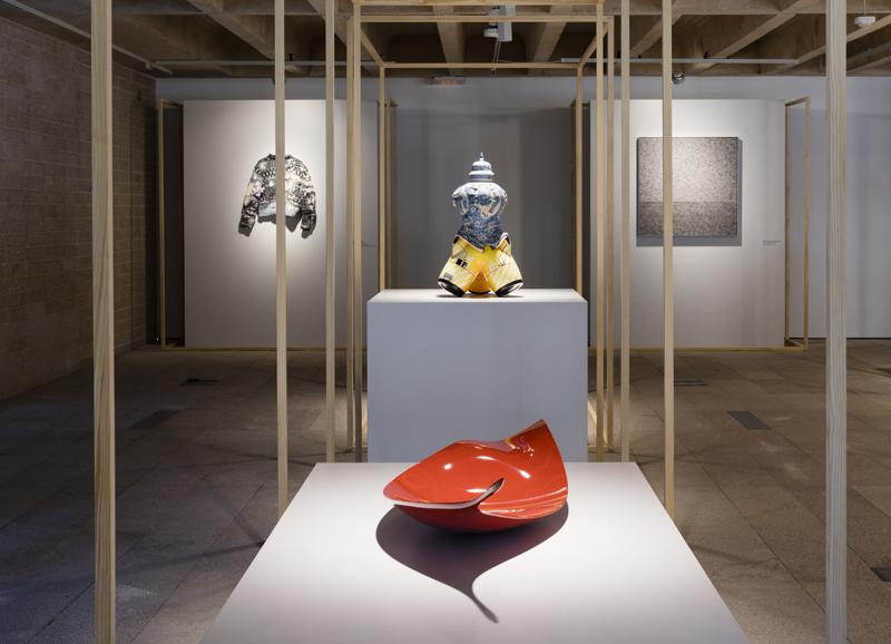 """Vue de l'exposition """"Prix d'artisanat LOEWE 2017"""" à Madrid"""