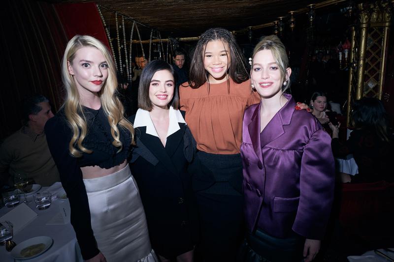 Anya Taylor-Joy, Lucy Hale, Storm Reid et Victoria Pedretti