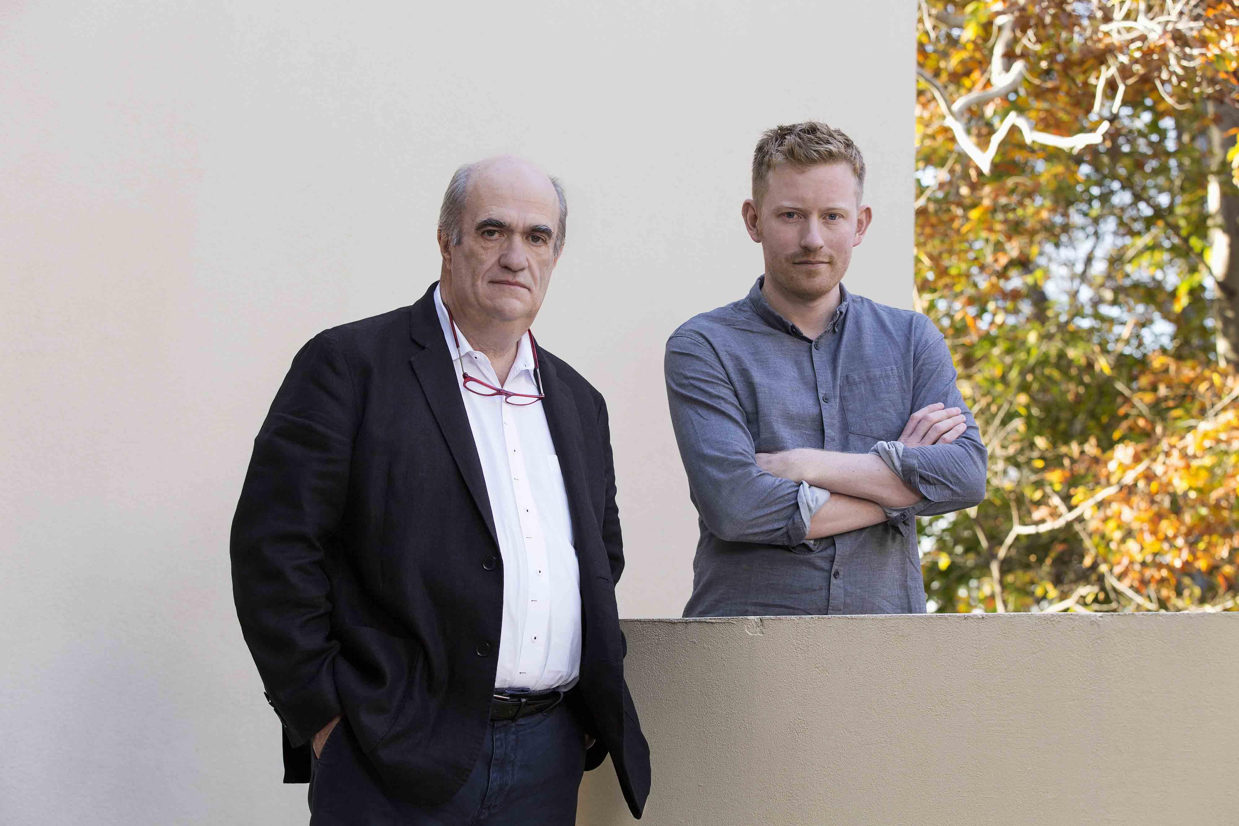 Colm Tóibín, mentor en littérature et son protégé Colin Barrett. ©Rolex/Bart Michiels.