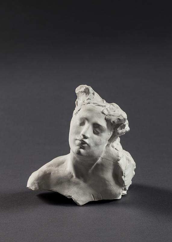 """Auguste Rodin """"Tête de la martyre"""" (vers1885). Paris, musée Rodin, donation Rodin 1916. Crédit agence photographique du musée Rodin – Pauline Hisbacq."""