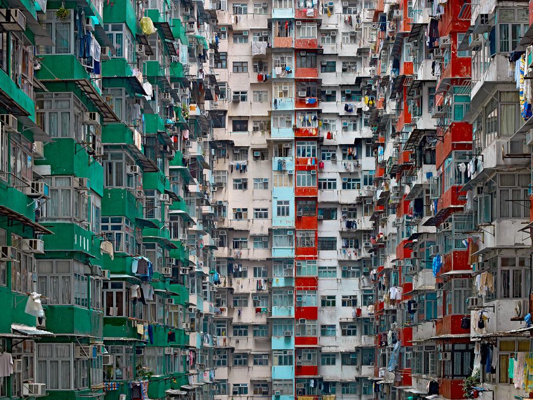"""Les Rencontres d'Arles s'intéresseront, dans la même séquence, au travail de l'Allemand installé à Hong Kong, Michael Wolf. La poétique urbaine s'y fait étrange ou oppressante. Ici : """"Architecture of Density, 2005-2009"""". Avec l'aimable autorisation de l'artiste."""
