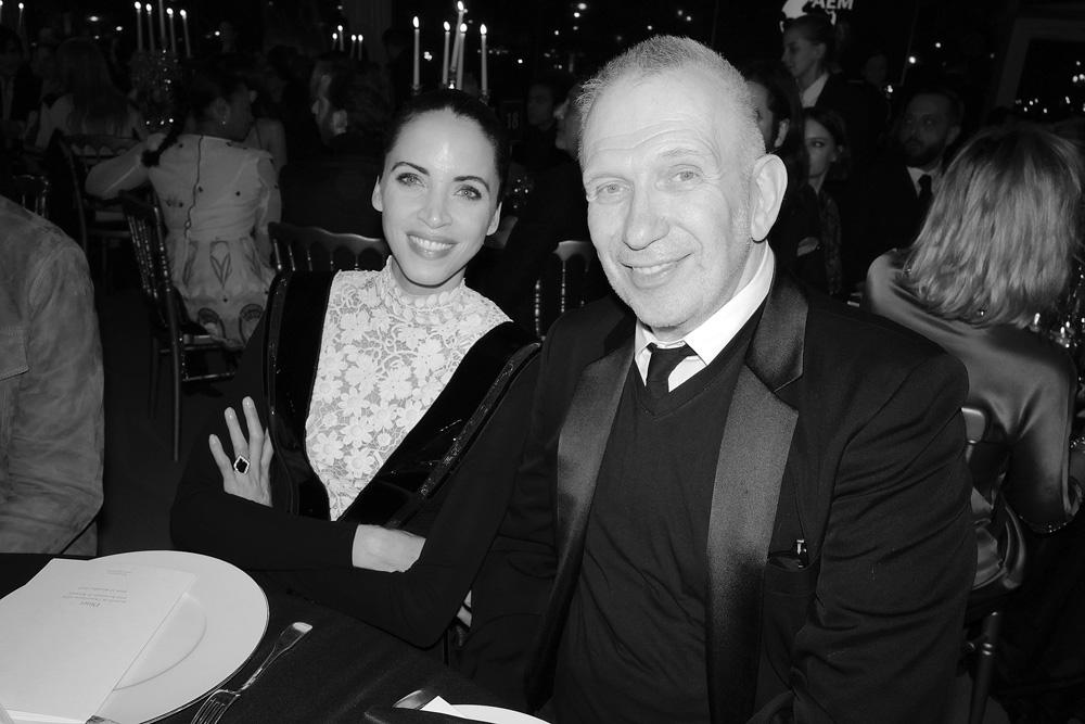 Noémie Lenoir et Jean Paul Gaultier