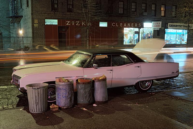 Langdon Clay Zizka Cleaners car, Buick Electra Série Cars, New York City, 1976 Diaporama Courtesy de l'artiste © Langdon Clay