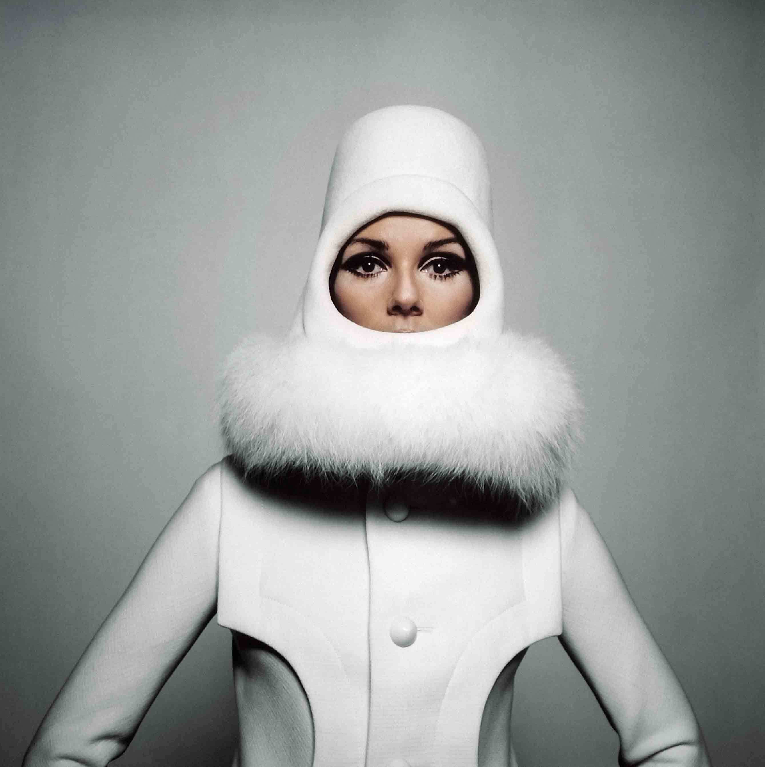 Pour Sunday Times, Nicole De Lamargé en Cardin, 1966 - Copyright Peter Knapp