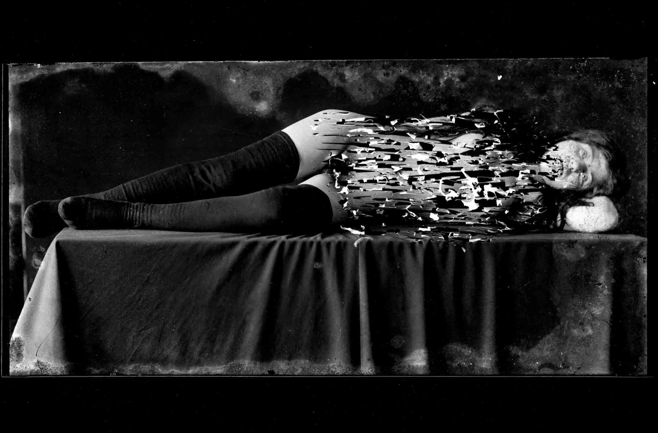 """Nino Migliori, série """"Cancellazioni"""" (1954) © Fondazione Nino Migliori, Bologna, Italie"""