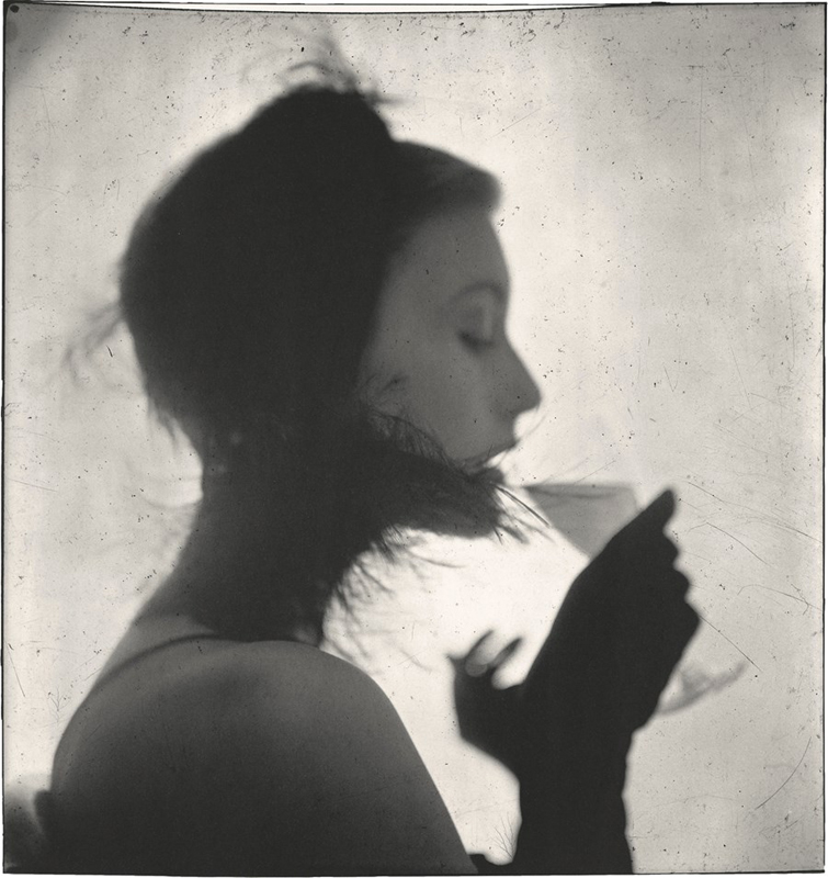 "Irving Penn, ""Girl Drinking (Mary Jane Russell)"", New York, 1949  Promised Gift of The Irving Penn Foundation © Condé Nast"