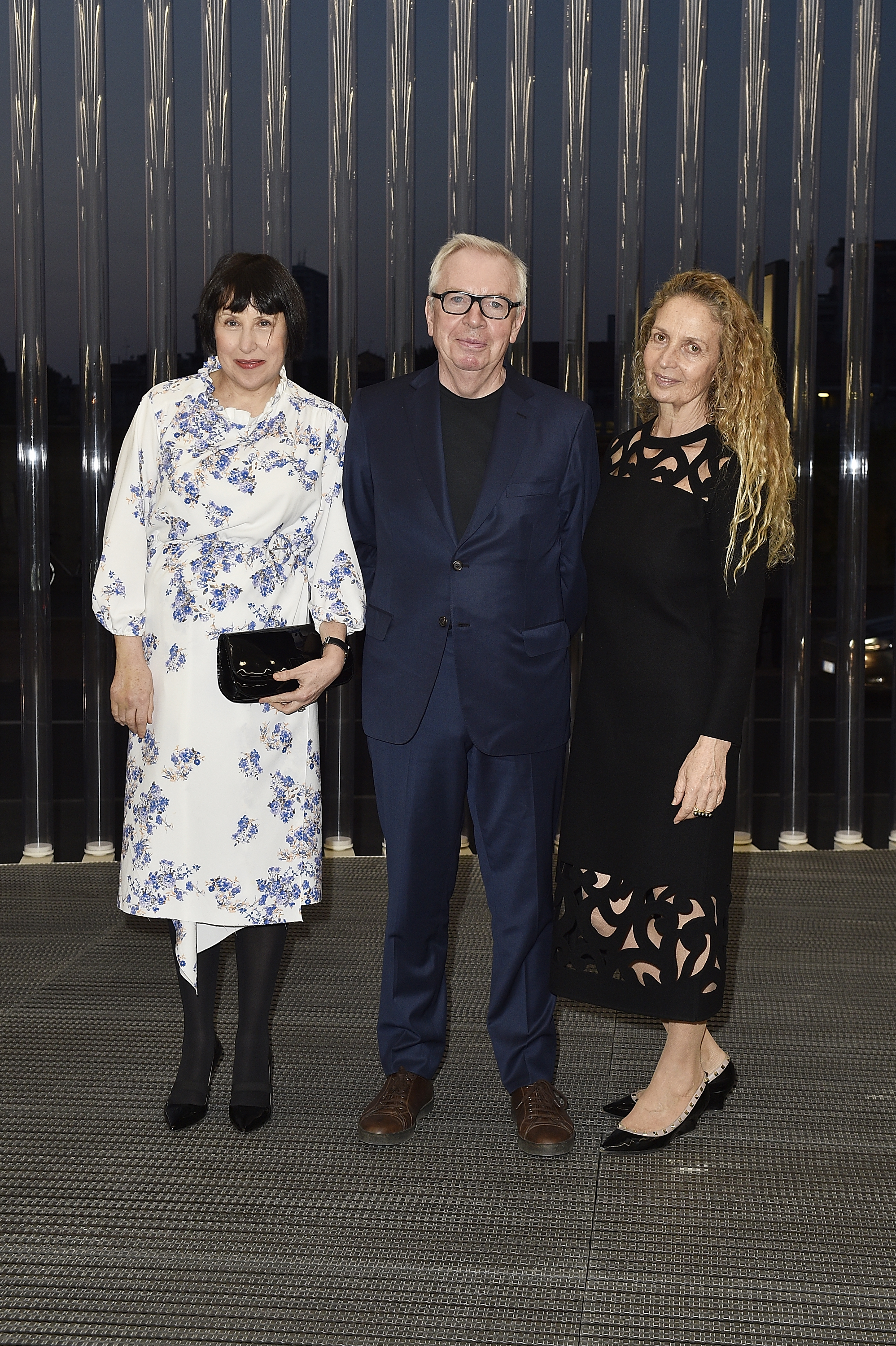 Alice Rawsthorn, David Chipperfield et Evelyn Chipperfield à l'inauguration de la Torre à la Fondazione Prada le 18 avril 2018 à Milan, Italie. (Photo by Pietro D'Aprano/Getty Images for Fondazione Prada)