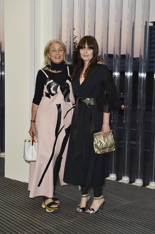 Nicoletta Fiorucci and Goshka Macuga à l'inauguration de la Torre à la Fondazione Prada le 18 avril 2018 à Milan, Italie. (Photo by Pietro D'Aprano/Getty Images for Fondazione Prada)