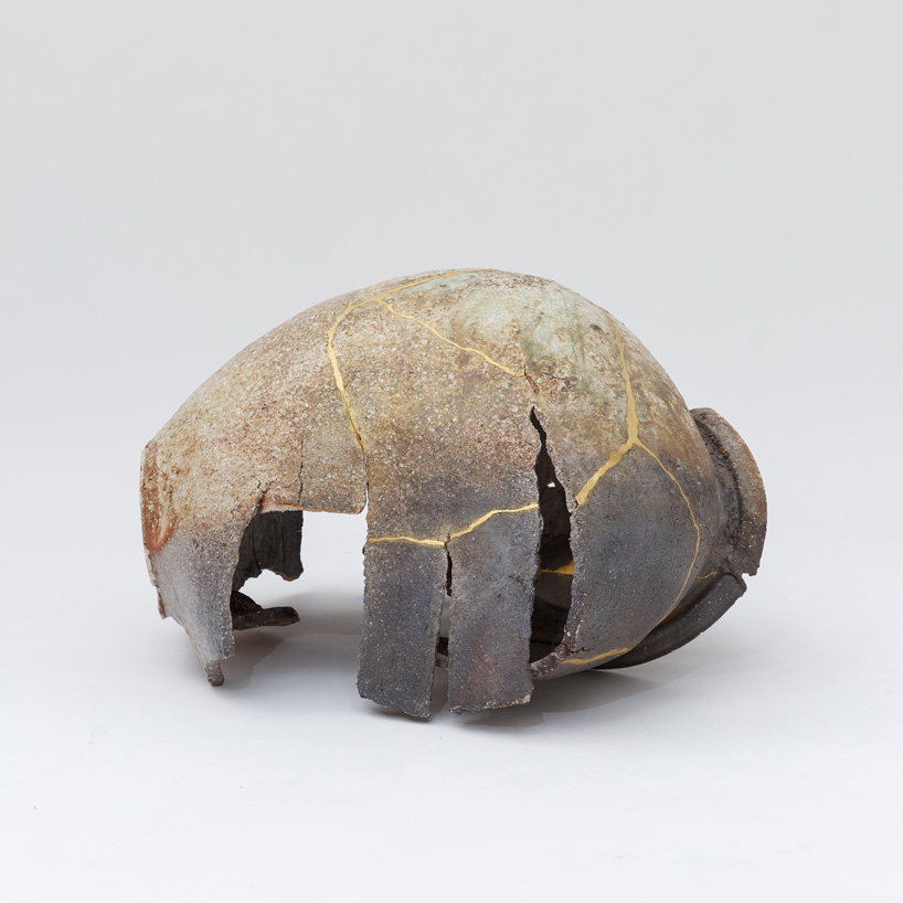 Shin Murata, Torn Jar, 2013. 90 × 65 × 48 cm