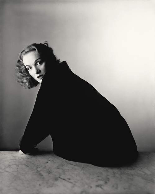Crédit photo : Irving Penn (American, 1917–2009) Marlene Dietrich, New York, 1948, Gelatin silver print, 2000 10 × 8 1/8 in. (25.4 × 20.6 cm) The Metropolitan Museum of Art, New York, Promised Gift of The Irving Penn Foundation © The Irving Penn Foundation