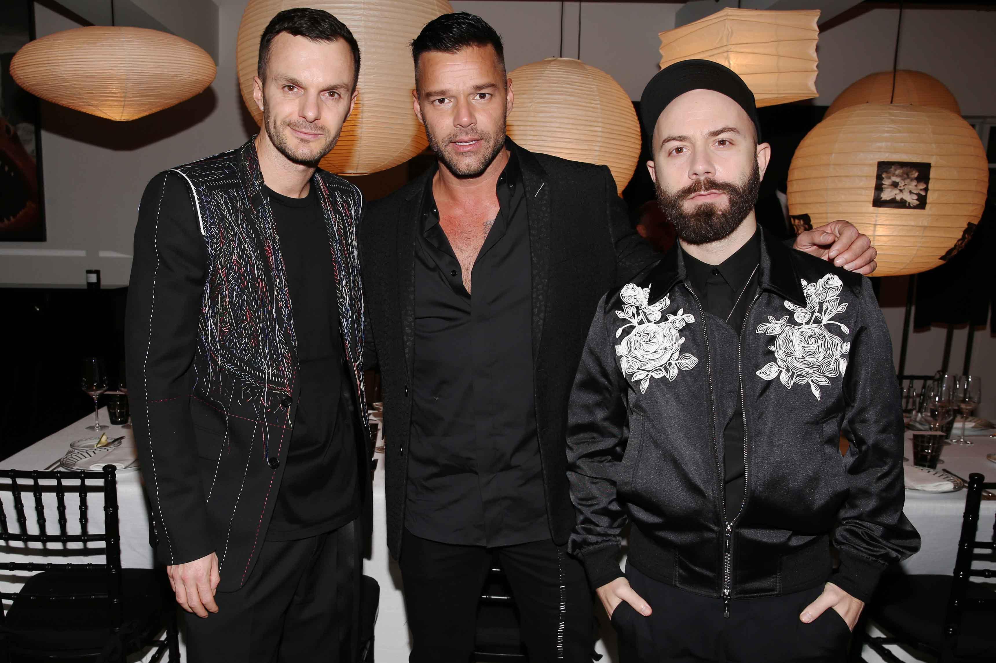 Kris van Assche, Ricky Martin et Woodkid (photo par Saskia Lawaks)