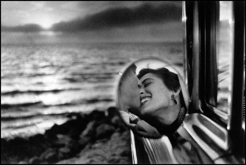 Elliot Erwitt, California, USA. 1956. © Elliot Erwitt / Magnum Photos