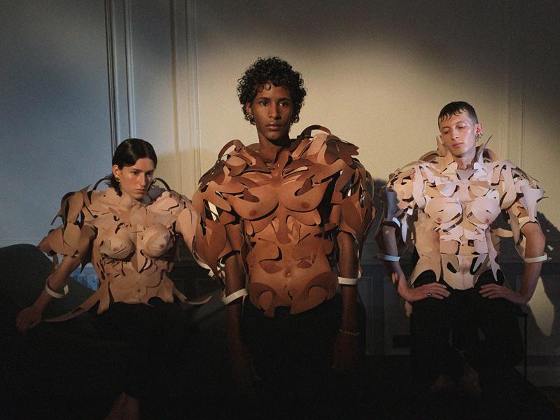 """Alan Crocetti, présentation de la collection """"Erotica"""" à Paris, septembre 2019. Installation et costumes de Damien Blottière."""