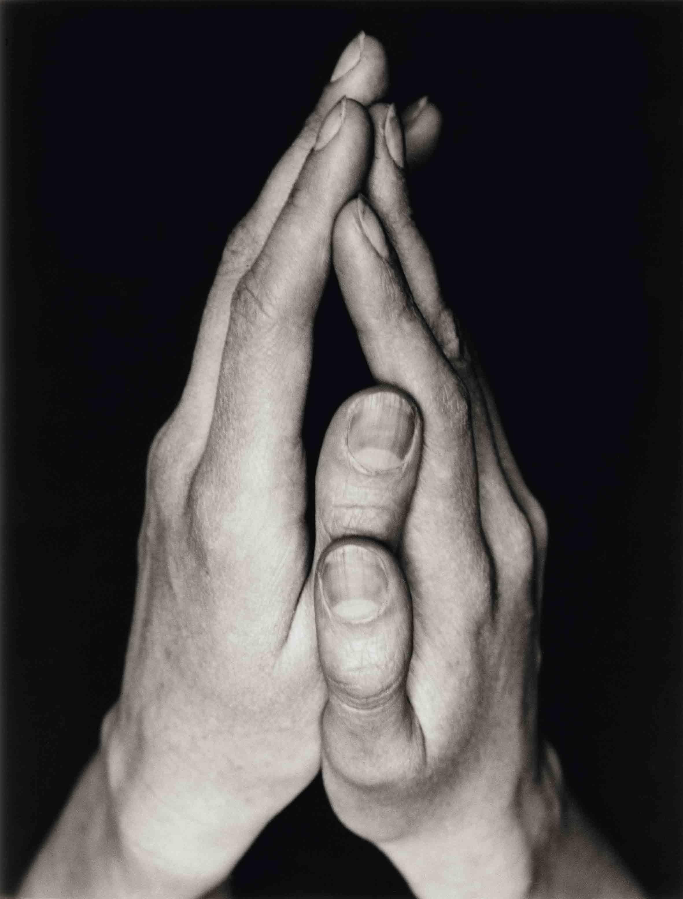 ALBERT RENGER-PATZSCH — Hände [Mains], 1926-1927 Collection Ann und Jürgen Wilde © Albert Renger-Patzsch / Archiv Ann und Jürgen Wilde, Zülpich / ADAGP, Paris 2017