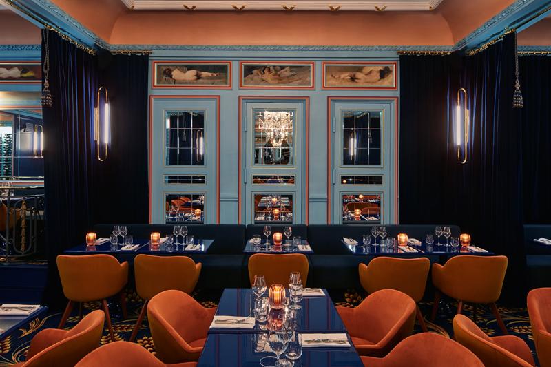 Le restaurant Froufrou et le Bar-cancan Photos par Francis Amiant