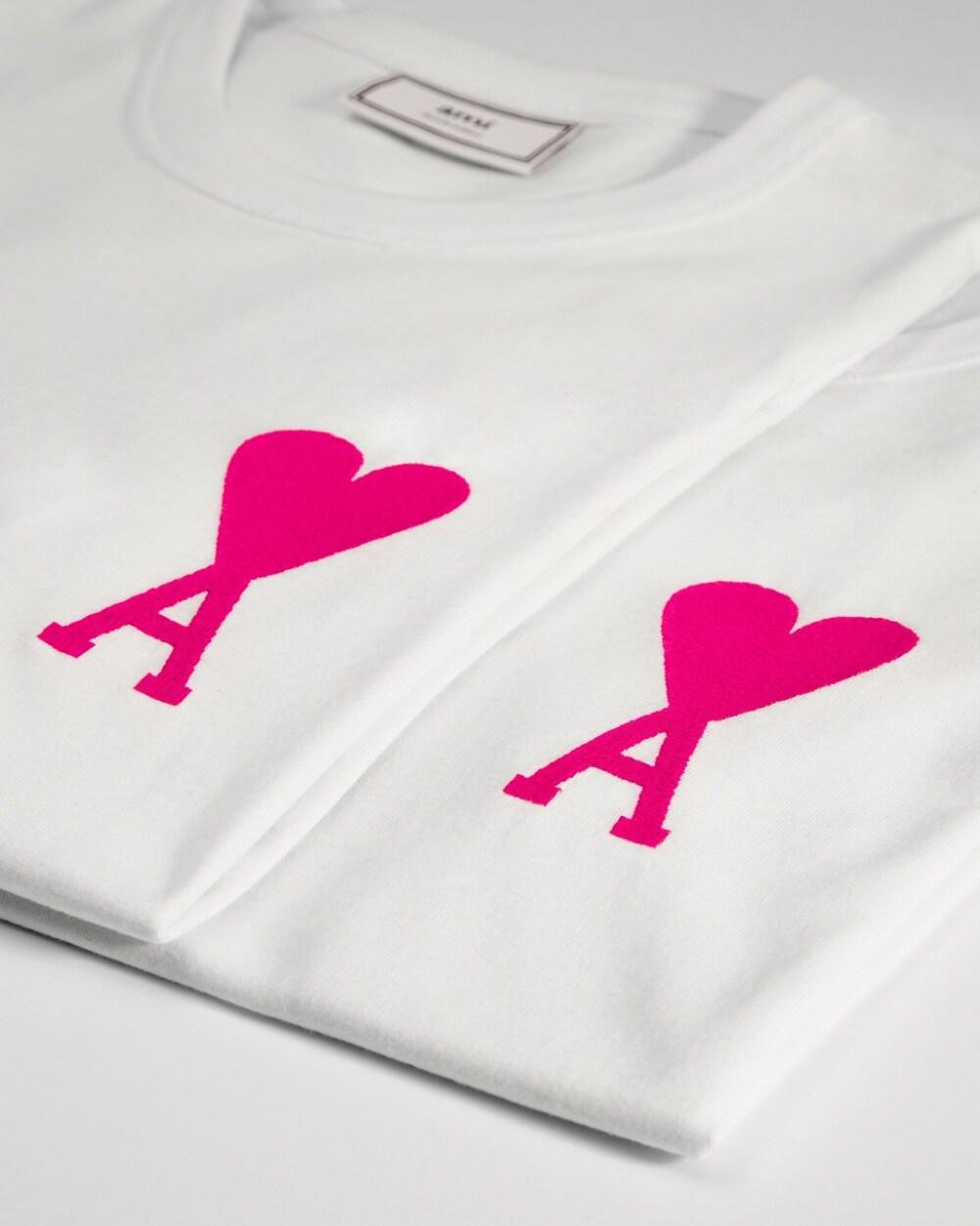 "Le tee-shirt "" ""Ami du cœur"" d'AMI."
